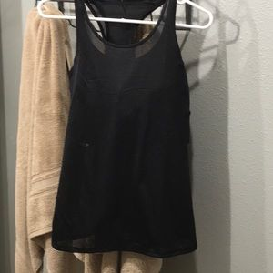 Lululemon bra and tank combo with pads 10